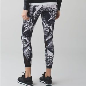 Lululemon Inspire Tight II (Static Mist)